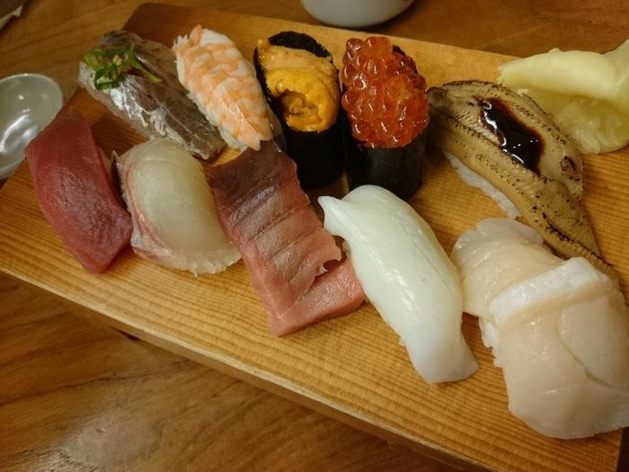 いろいろな新鮮な魚介を贅沢に味わえるお寿司。