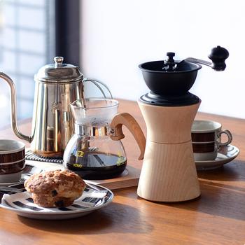 いかがでしたか?いつものコーヒータイムを、より心豊かなひと時にしてくれる手挽きミル。機能性や耐久性はもちろん、見た目にもこだわって、お気に入りのミルを見つけてみてくださいね♪