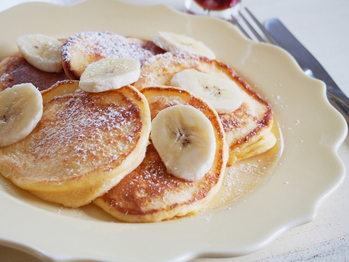 米粉で作る「もちふわリコッタパンケーキ」は、もっちりふんわりとした食感。バナナと一緒に食べると、甘さも加わって疲れた体も喜びますね。