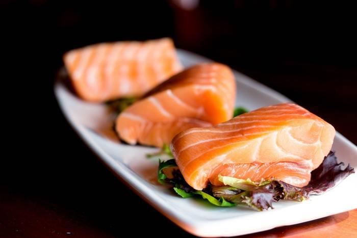 調理が簡単で1年を通して手に入る鮭やサーモンは、常備菜におすすめの食材。お魚料理は時間がかかると敬遠している方も、まとめて作る常備菜なら、毎日の食卓に手軽に取り入れられるのではないでしょうか?