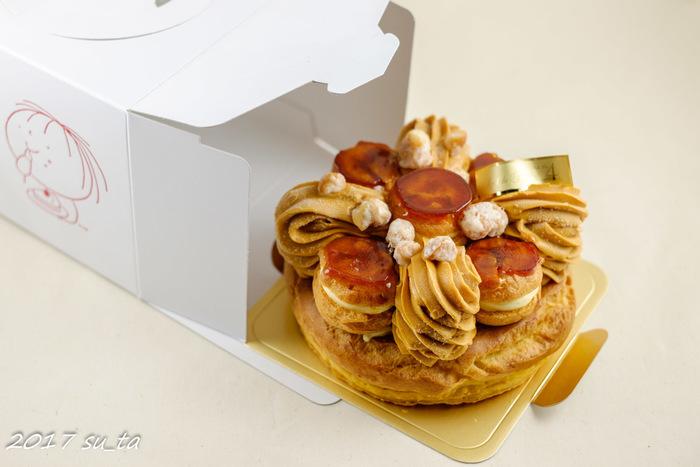 """「ベルグの四月」は田園都市線・たまプラーザエリアのケーキ屋さん。『サントノーレ』は、BRUTUS誌で2017-20178年の""""手土産グランプリ""""のひとつに選出されました。"""