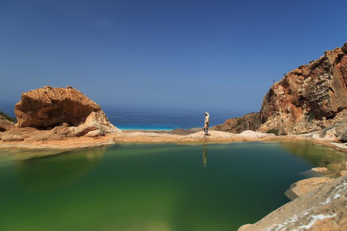 アラビア半島から約300キロメートル南、インド洋沖に浮かぶソコトラ島は、イエメン領の世界遺産です。