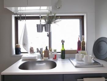 賃貸物件で気になるのは収納問題。どうしても一軒家に比べて収納スペースが少なくなりがち...にもかかわらず、壁への穴あけがNGだったり、DIYでの施工にも限界があります。