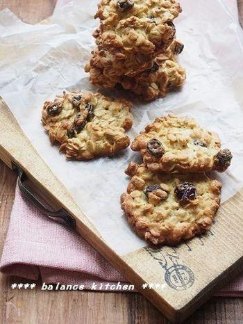 『バター不使用 オートミールクッキー(ソフトタイプ)』  バターを使わないので、練る作業がなくて楽ちん&リーズナブル。食物繊維が豊富で、作り置きしておくと子どものおやつに重宝します。
