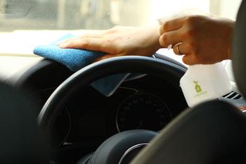 車内のお掃除でも大活躍!車内に一枚常備しておいても良さそうですね。