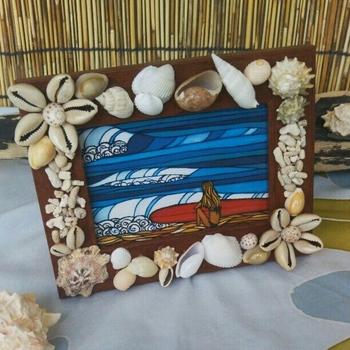 貝殻などを貼り付けるのもGOOD!海をバックに撮った写真など、夏の写真にぴったりです。