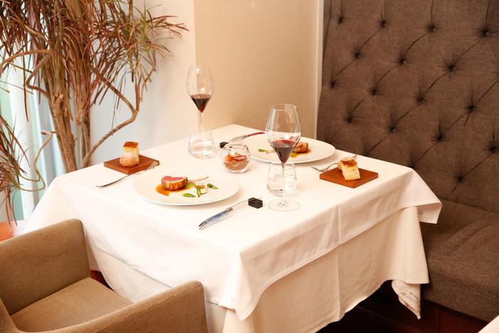 イタリアでの修行を積んだ経験豊かなシェフが生み出すのは、食材の旨味を最大限に引き出しているクリエイティブな料理。季節によって、前菜やパスタにアーティチョークが使われています。