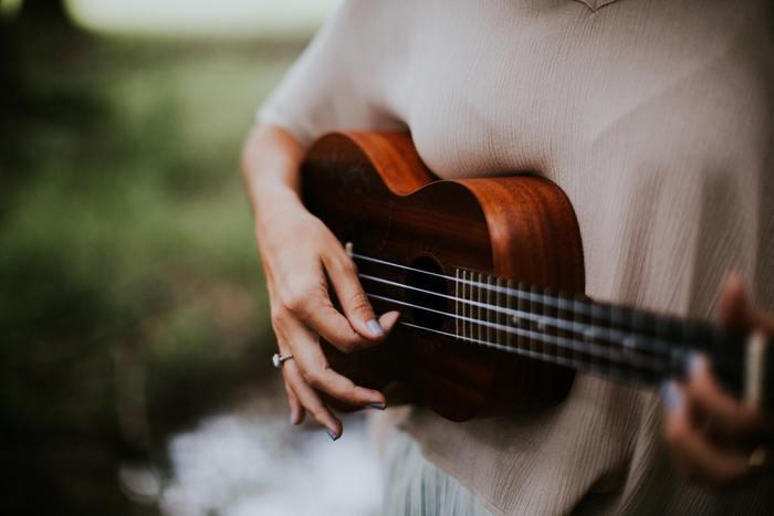 新しい趣味として、楽器を始めてみませんか?飽きないコツは、自分が大好きな曲をマスターするなど、目標を決めること。身近にいる得意な人に教えてもらうのもいいですね。