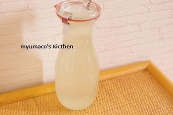 鶏ガラだしもストックできますよ~ 中華スープにピッタリ。雑炊などにも使えそうですね。 冷蔵で約1週間、冷凍で1ヶ月ほど保存できます。