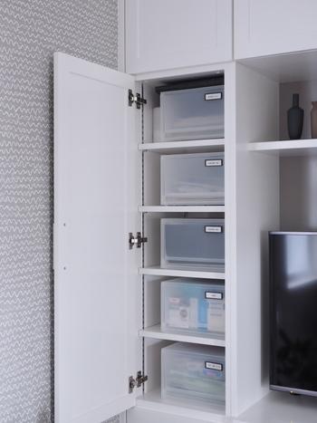 奥行きのある棚には、引き出しタイプの収納ボックスがおすすめ。奥までしっかりと活用することができます。