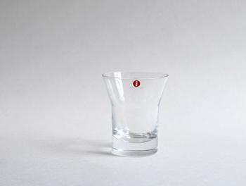 iittala のAaltoグラス。アアルトが手掛けた唯一の飲み物用グラスです。ファンならばぜひ手に取りたいグラスですね。