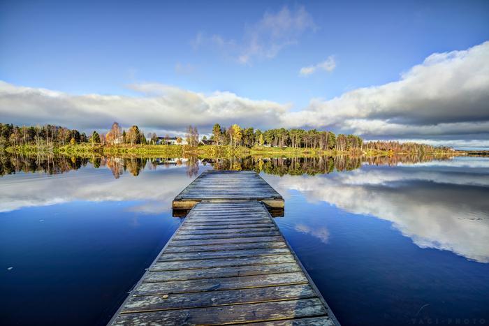 フィンランドには188,000もの湖があり、世界で最も水が多い国の1つ。しかもその水は世界一綺麗だと言われています。ヘルシンキの水道水は世界の大都市の中でトップだそう。のんびり景色を眺めながら過ごすものよし、釣りや読書を楽しむのもよし。時間がゆったり流れる北欧の湖で癒しの時間を過ごすのも素敵です。