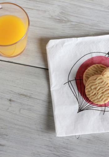 テーブルをパッと華やかにしてくれて、おもてなしにも日常にも使えるペーパーナプキン。おしゃれで楽しい柄を選んで、生活をワンランクアップしてみませんか?