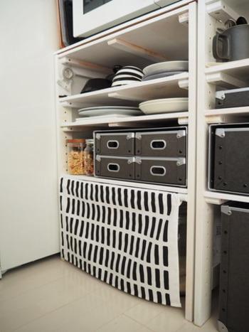 キッチンの細々とした小物類の収納は、無印の硬質パルプの引出しがあると便利です。