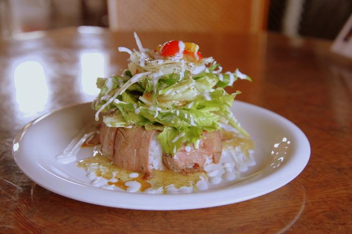佐賀のご当地グルメの「シシリアンライス」もいただけます。通常は薄切り牛肉が使われることが多いですが、こちらではローストビーフを使っています。いつもよりもちょっぴりリッチなご当地グルメを味わってみませんか?