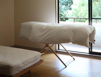 なんと布団も干せちゃいます。日当りのいい窓辺に置いておけば、夜には気持ちよく寝られそうですね。