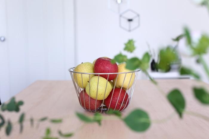 常温で保存できるフルーツなら、安いときに多めに買っておいてもいいですね。目に見えるところに置いておくことで、使い忘れることもなくなります。