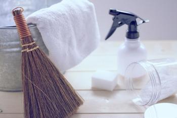 """掃除が苦手な方にこそチャレンジして頂きたいのが、毎日の""""プチ掃除""""。一日一箇所と決めて、5分ずつお掃除してみましょう。いつの間にか家中がピカピカになっているはずです。"""