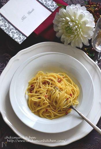 オイルソースの定番、「アーリオ(にんにく)オーリオ(オイル)ぺペロンチーノ(唐辛子)」の基本レシピ。シンプルな味付けだけに、おいしいオリーブオイルを使うのが決め手!