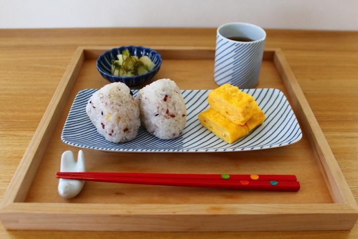 楽天のブログランキング上位にも入っている、暮らし上手さんのブログ内にも白山陶器の器は度々登場!「お手頃で使いやすく、見た目も美しい」そんな優秀な器なら、人気ブロガーさんが見逃すはずがないですよね。おにぎりと卵焼きの簡単ご飯も、器をお気に入りに変えるだけでこんなにオシャレな食卓に。