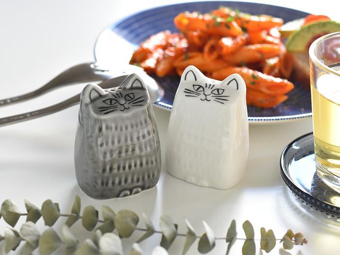 Lisa Larson(リサ・ラーソン)からも可愛らしい猫のソルト&ペッパーがお目見え♪味わいのある表情が存在感を際立たせています。美濃焼で作られているところもおすすめポイント。引越し祝いや結婚祝いなどにも喜ばれそう。