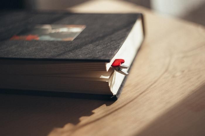 4月23日は「世界本の日」。いてくれて嬉しいあの人に、1冊の本をプレゼントしよう*