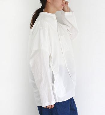 ベーシックだからこそ、どんな色にも染まってくれる白シャツ。シンプルな着こなしはもちろん、あえて意外なアイテムと組み合わせても、しっかり馴染んでくれるのが魅力です。 ぜひこの春はお気に入りの白シャツで様々な組み合わせを楽しんでみてくださいね♪