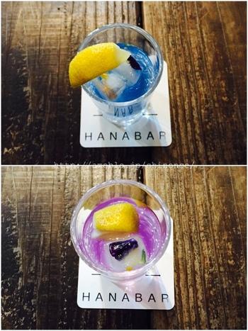ランチを頼むとセットでいただけるタイの花のお茶「アンチャンティー」は、最初は綺麗な青色ですが、添えられているレモンを搾るとパッと紫色に変わる不思議なお茶です。これは原料に豊富に含まれているアントシアニンが、レモンの酸によって変化するために起こる現象だそう。単品のソフトドリンクとしても頼めますので、アンチャンティーの不思議なマジックを一度目の前で楽しんでみては?