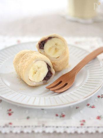 もち粉を使った生地でバナナを巻いたケーキ。もちっとした食感が柔らかいバナナの食感とよく合います。きな粉や小豆餡で少し和の装いにするほか、シナモンや粉砂糖で洋風に仕上げても美味しそう。