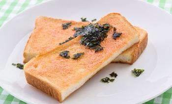 明太子の辛味と『ネオソフト』の味わいがマッチして、10分で満足度100%の朝食が完成。韓国海苔で磯の風味をトッピングするのがポイントです。