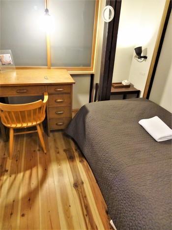 宿泊できるのは、タイプの異なる4つのお部屋。最大定員は8名で、アート好き同士でささやかな交流を楽しめそうですね。1棟貸切も対応いただけるとのことで、グループで京都旅をする時に利用してもよさそう♪
