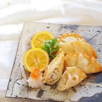 ひき肉のかわりに厚揚げ、お野菜は玉ねぎとエリンギを使いました。後は定番餃子と同じ手順。お好みでおろし生姜やニンニクを加えても美味しい。焼いても、揚げても、蒸してもOKです!