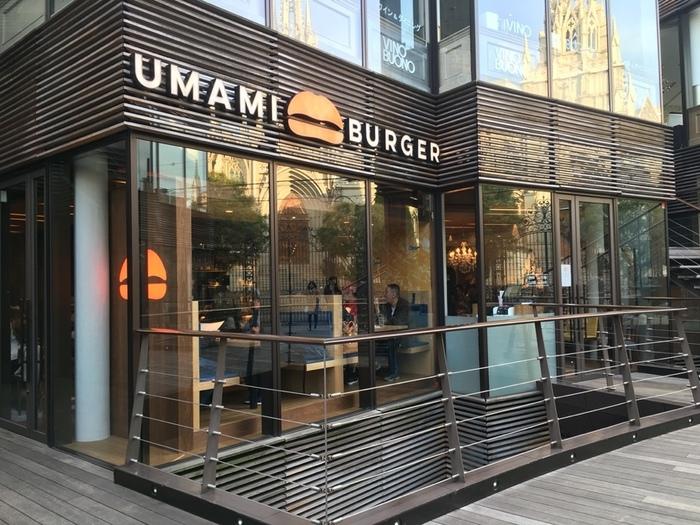 表参道駅から約300mの距離に位置する「UMAMI BURGER」。