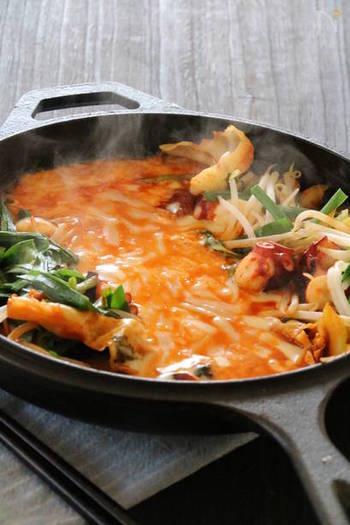 こちらは、タコを使ったチーズタッカルビのアレンジレシピ。くせのないタコは、どんな味つけにもなじみますし、なにより食感がいいですね。魚介がお好きな方におすすめ。