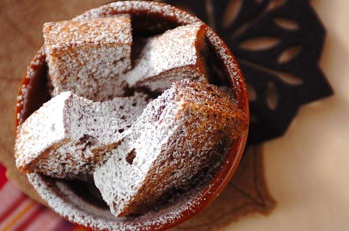 ふんわり食パンに、ココアがしっとり染み込んだココアパンプディング。チョコレートのようなこっくりとした味わいです。