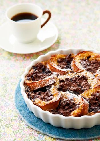 バニラビーンズの甘く心地よい香りが幸せなバニラパンプディング。チョコレートのほろ苦さ&甘みがふわりと広がる贅沢な味わいです。