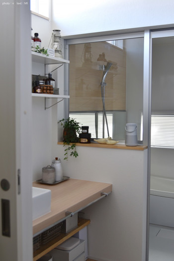 ブロガーさんたちが大切にしているのはお風呂場までの導線上のインテリア。洗面所や脱衣所のインテリアが素敵なバスルームがほとんどなんですよ。洗面所のインテリアも厳選したお気に入りのグッズを置き、使い勝手を考えたレイアウトに。