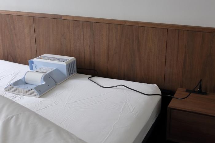 花粉やお天気、干し場所の問題で外にお布団が干せないときは、布団乾燥機を使うのがおすすめです。よく乾燥したお布団はふっくらとして温かく、疲れた体をしっかりと受け止めてくれます。
