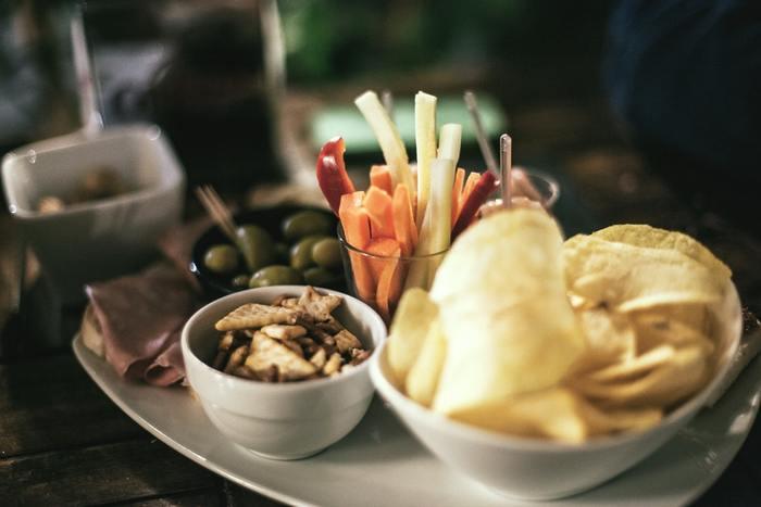 美味しいタパスをいっぱい並べて♪おすすめ簡単『お家バル』メニュー