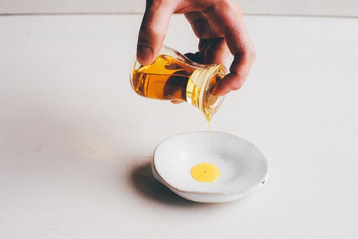 添加物や化学薬品等は、一切使用しない無精製で、高コストの少量生産ではありますが、原料が持つ成分や、自然の風味が生きた、まさに健康志向の方におすすめの、美味しい油です。炒め物や揚げ物と、毎日のお料理で活躍しそうです。