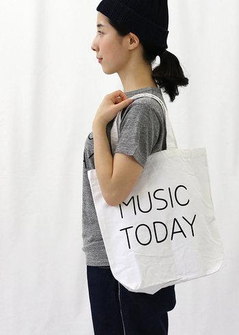 音楽家・蓮沼執太さん主催のイベント「MUSIC TODAY」のグッズとして、2015年8月に制作されたトートバッグ。音楽好きにはたまりませんね。