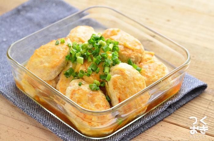 豆腐と鶏ひき肉で作るハンバーグは、合いびき肉で作るよりもぐっとヘルシー。しょうがを効かせたあんをかけて頂きます。やさしい味わいのハンバーグは夜食に食べても罪悪感がありませんね。