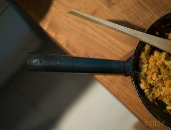 そこで今回は、毎日の暮らしにぴったりと寄り添ってくれる、こだわってつくられた上質な調理道具をご紹介したいと思います。これからもっともっと料理を楽しみたい人、これからお料理を始める人におすすめしたい、長く使えて上質な料理道具たち、ぜひ参考になさってみてくださいね。
