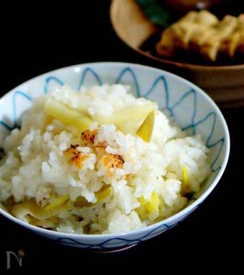 具材はネギだけのシンプルレシピ。だからこそ、ネギの美味しさがたっぷりと味わえる贅沢な一品です。もち米を少し入れるのが、美味しくなるポイントなのだとか。