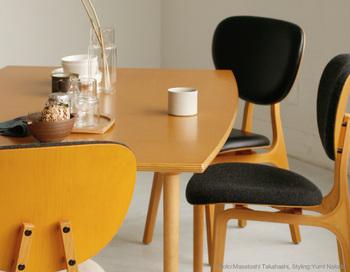 建築・家具デザイナーとして活躍された長大作さんは、国際文化会館や松本幸四郎さんの邸宅や家具デザインを手掛けられたことでも有名。こちらは代表作のパーシモンチェアとマッシュルームベーステーブルで、国際会館のために作られた家具です。 ▷パーシモンチェア ▷マッシュルームベーステーブル