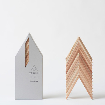 こちらは、坂本龍一さんが設立に携わった森林保全団体「more Trees」によるプロジェクトによって製作された積み木です。