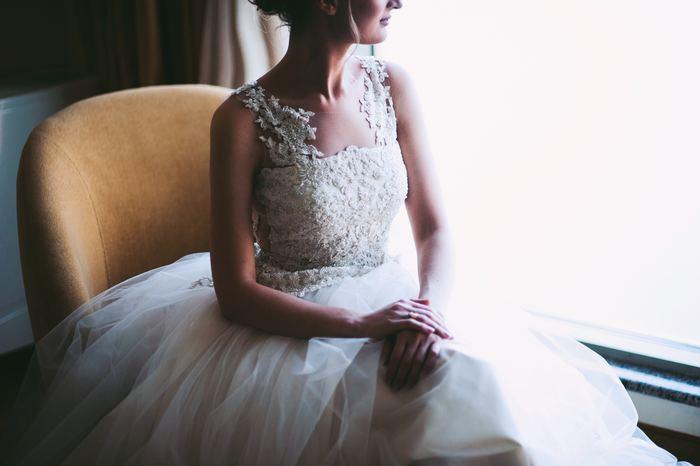 """""""6月の花嫁""""を意味する『ジューンブライド』。言葉は知っていても、「なぜ6月に結婚式を挙げると幸せになれるの?」と疑問に思う方も多いと思います。その由来については諸説あるようですが、今回はその中から代表的な2つの説をご紹介します。"""