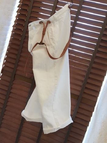 取り入れるだけで、着こなしをフレッシュに仕上げてくれるホワイトデニム。生地の厚みや加工によっても、いろんな味わいが楽しめます。お気に入りのホワイトデニムアイテムで、毎日のコーディネートを爽やかにスタイリングしてみてくださいね!
