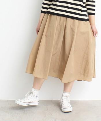 この1点で憧れスタイル♪「ふんわりスカート」でつくるナチュラルコーデ集