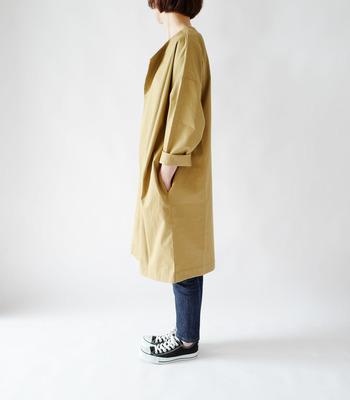 シルエットがキレイなので、どんな着こなしもサマになる1枚です。